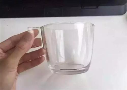 宜家水杯爆炸,女子被炸晕!你家有这样的水杯吗?