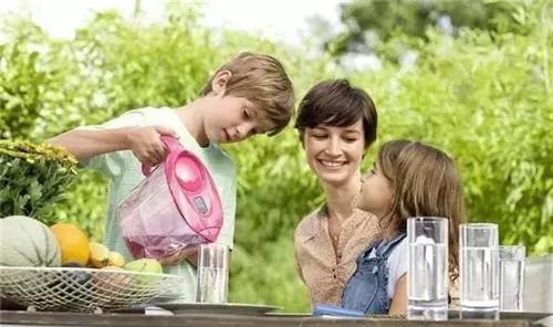 夏日健康饮水 只需做到这几点