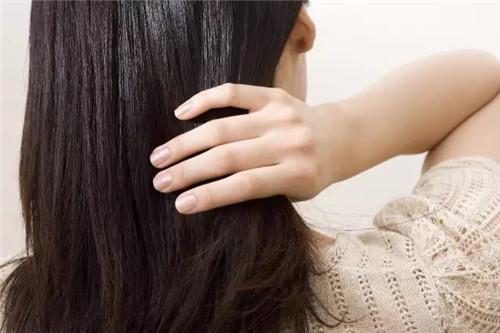 家里到处都是头发?教你几个方法,分分钟清理干净