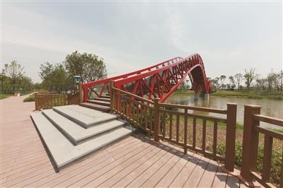 当年滩涂盐碱地变身江南滨水园林 纬十浦公园下月正式开放