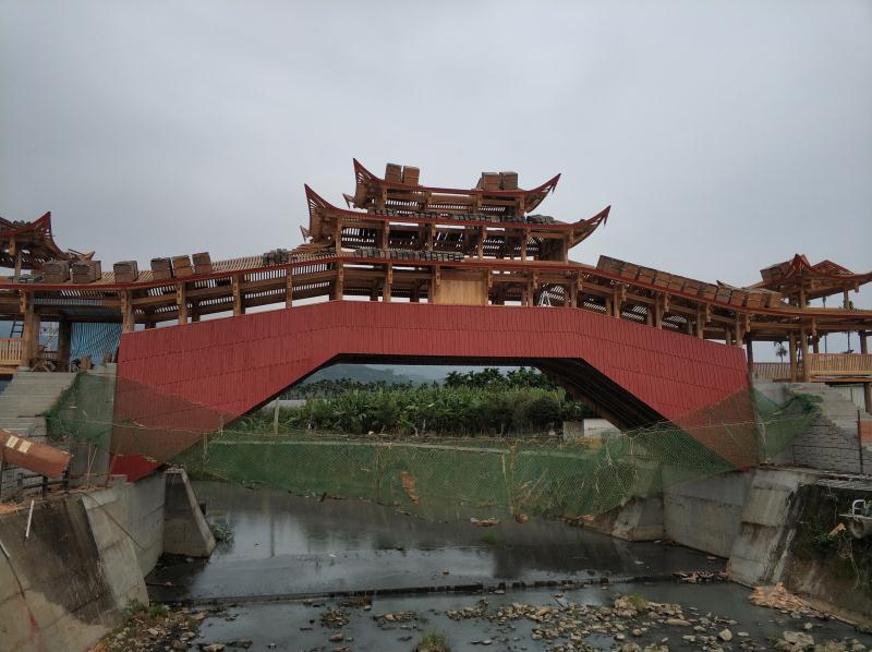 """台湾""""泰顺廊桥""""上梁 将成温台交流新地标"""