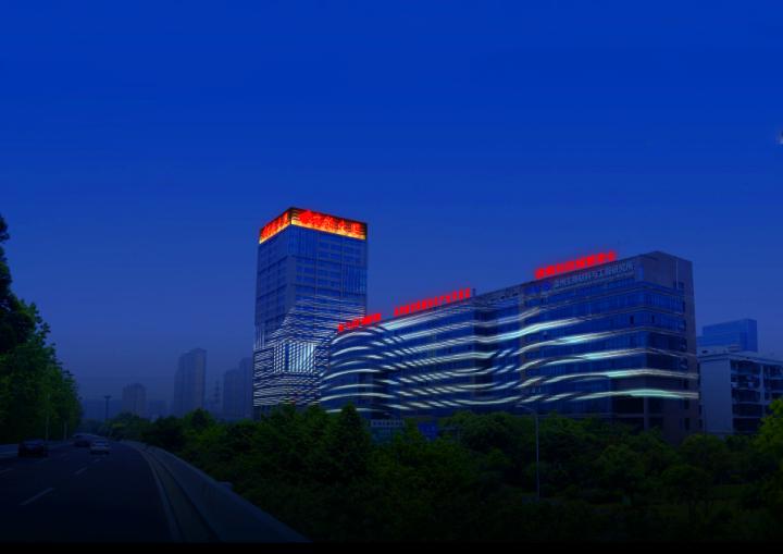 为科创新城添彩 瓯海大道东段北侧全线亮灯